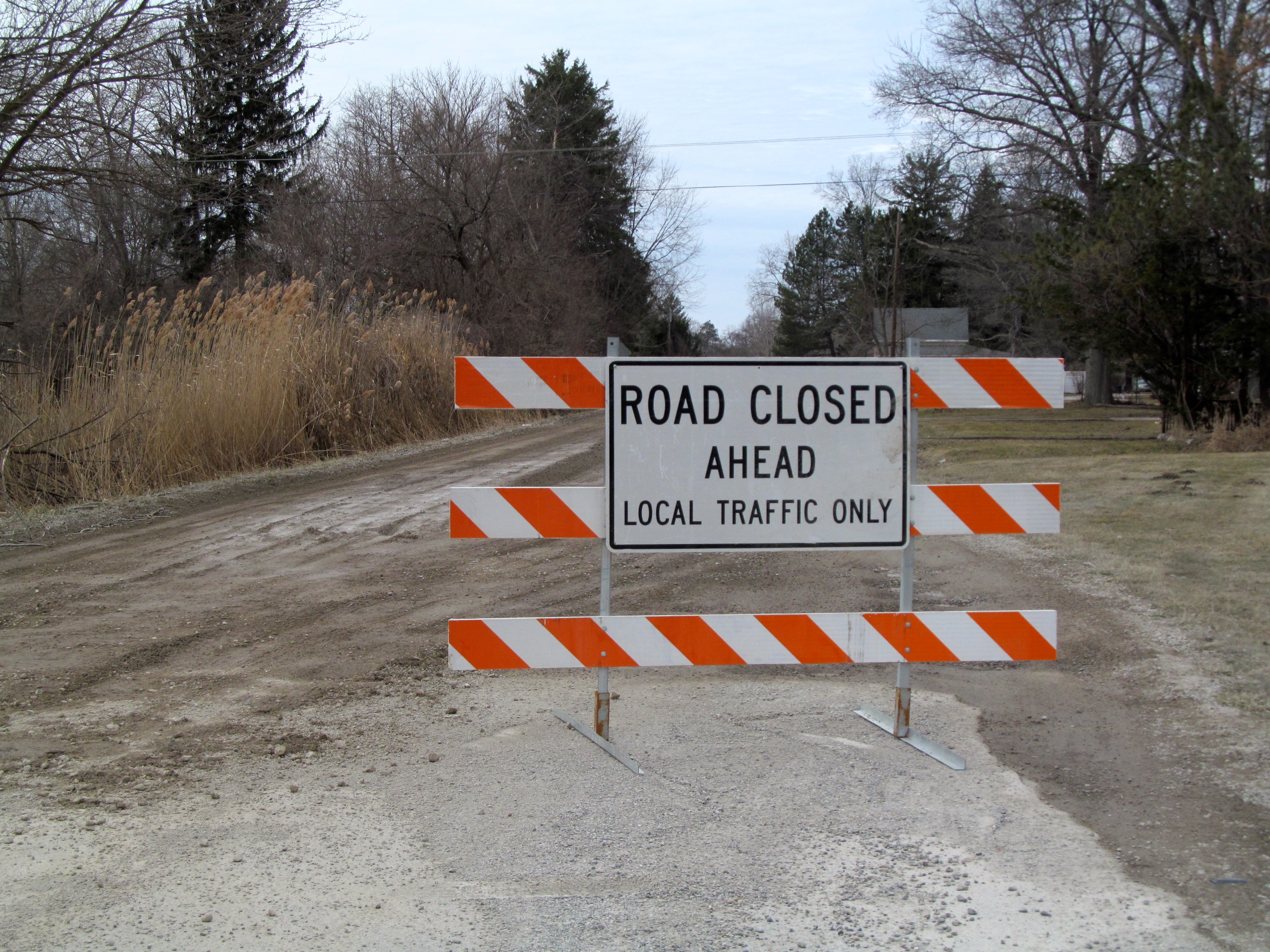 Spring thaw conditions prompt Wayne County DPS to close gravel roads