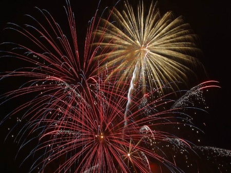 explosion-firework-new-year-s-eve-december-31-large