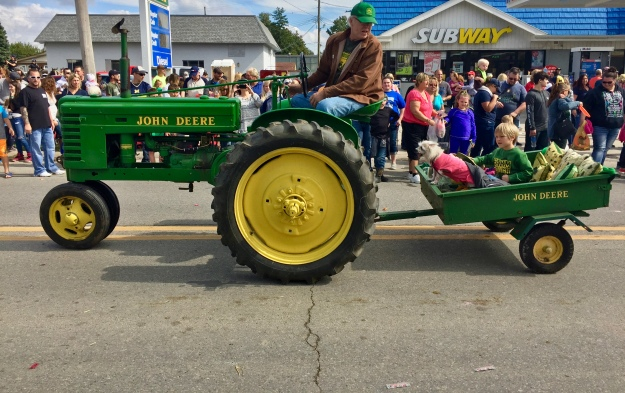 Applefest parade 2016. Photo by Scott Bolthouse--The Huron Hub
