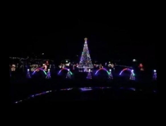 Boston Christmas Lights.Check It Out New Boston Resident S Light Display Is Synced