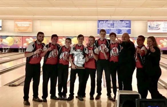 Vote For The Huron Bowling Team For The Detroit Free Press Sports Award The Huron Hub Huron Township News New Boston News